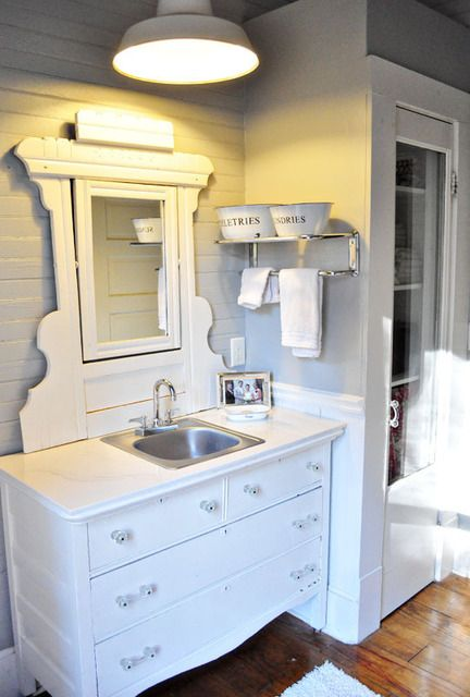love the bowls: Mirror Separates, Farmhouse Homesteads, Cottages Ideas, Dressers Turner, Bar Sinks, Galleries Apartmenttherapi, Dressers Vanities, Dressers Turning, Kitchens Sinks