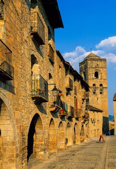 Otoño en Aínsa, un pueblo museo rodeado de naturaleza #Huesca #Viajes