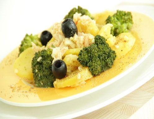 Kartoffel-Broccoli-Salat mit Thunfisch aus dem Dampfgarer