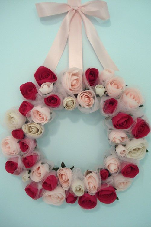 Such Pretty Things: Target Tuesday: Valentine Rose Wreath