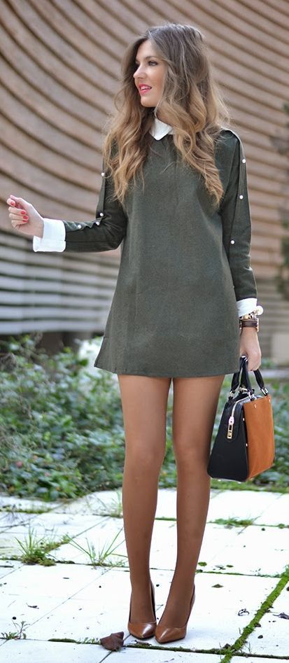 two color bag makes it look very cute with shoes and the jacket.