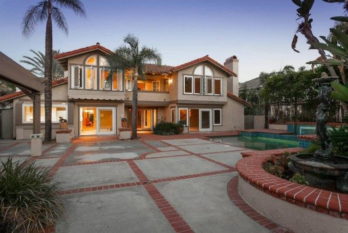 Houses For Sale In Usa California Apartmentsforrenhouses Housesforsale Renttoownhomes Apartmentguide Rental Homes Near Me Renting A House Rent To Own Homes