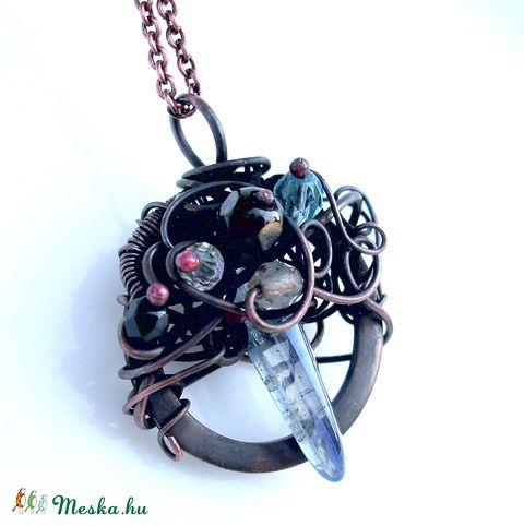 Rigócsőr királyfi, titánium bevonatos kristály nyaklánc rézből, Ékszer, óra…