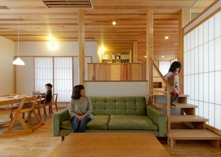 N House: 磯村建築設計事務所が手掛けたtranslation missing: jp.style.リビングルーム.modernリビングルームです。