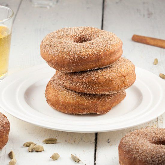 OMG, apple cider donuts are so awesome. They are great for this time of the year, but to be honest, I could eat them all year round!