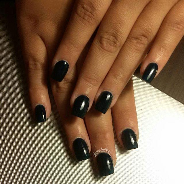 Esculpidas para Sole #nails #nailstagram #instanails #nails2inspire #sculptednails #acrylicnails #squarednails #polishnails #nailart #nailsdesign #l4l #like4like #forlike #follow #followme #uñas #uñasacrilicas #uñasesculpidas #esmalte #noelialafrannails
