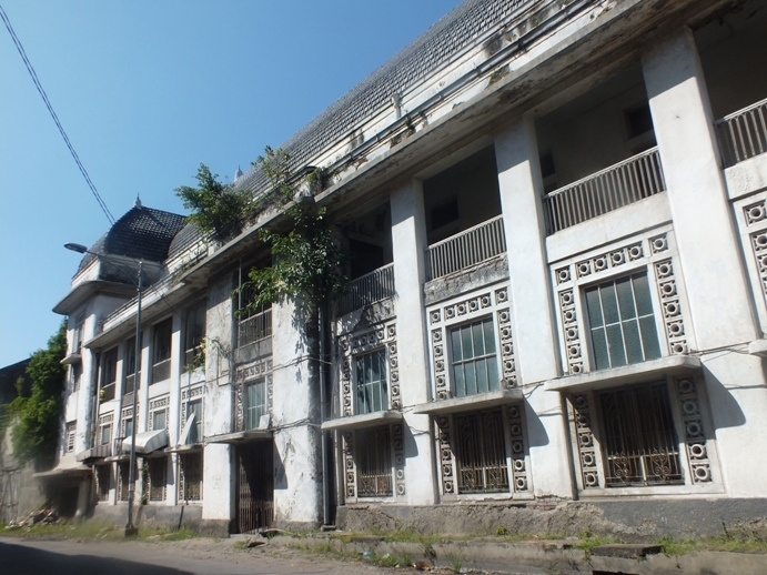 Hard times for this old bank building in Semarang