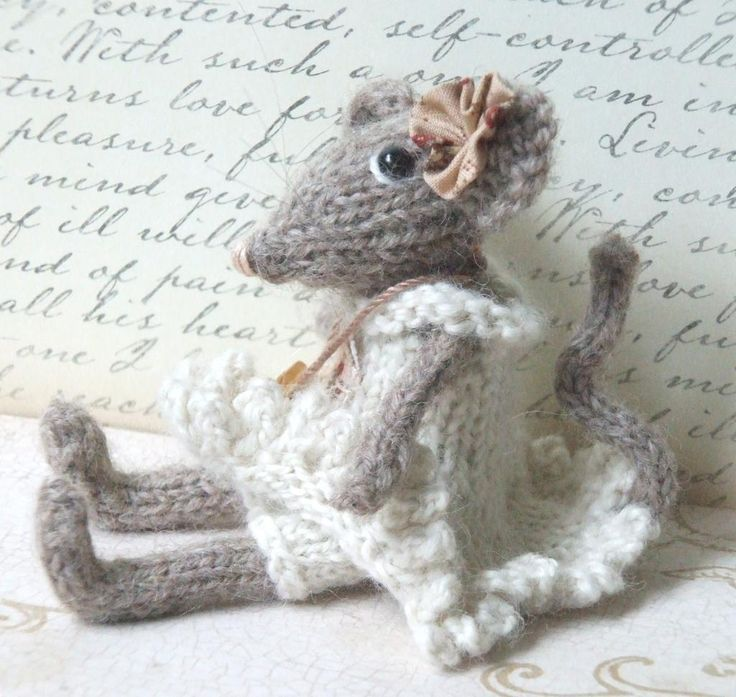 a cute little shabby chic mouse patterns form craftsy get the pattern here on