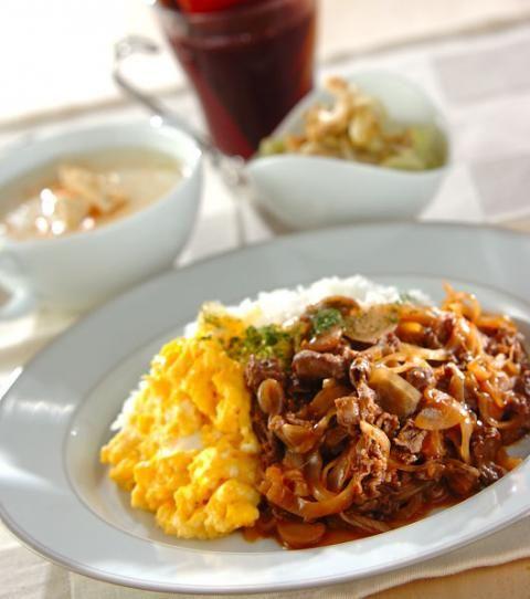 今日の献立は「卵のせハヤシライス」 - 【E・レシピ】料理のプロが作る ... メインはハヤシライス! キャベツにカリフラワー、素材の味を活かした副菜を添えて。