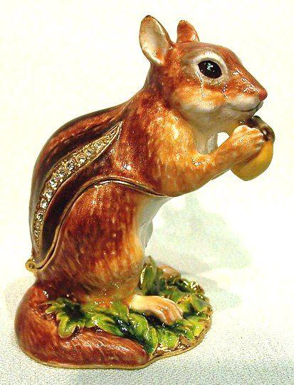 Squirrel African Theme Treasurines TR088