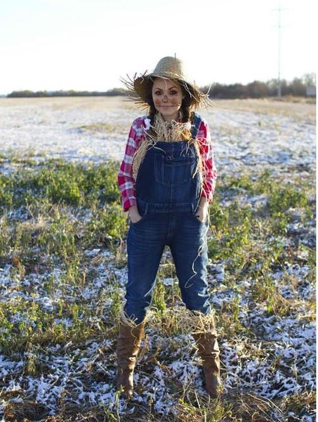 scarecrow straw costume, see more at http://diyready.com/diy-scarecrow-costume-ideas