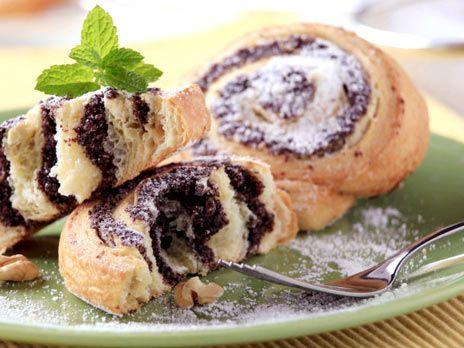Vaniljrulltårta med nutellakräm och blåbär | Köket.se