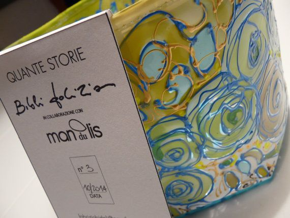 PVC cesto giallo verde chiaro e azzurro a tema floreale dipinto interamente a mano  info.mandulis@gmail.com