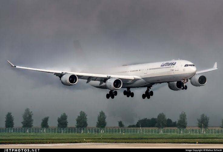 Lufthansa Airbus A340-600 D-AIHM arriving at Munich Int Airport, Germany. Photo by Markus Schwab