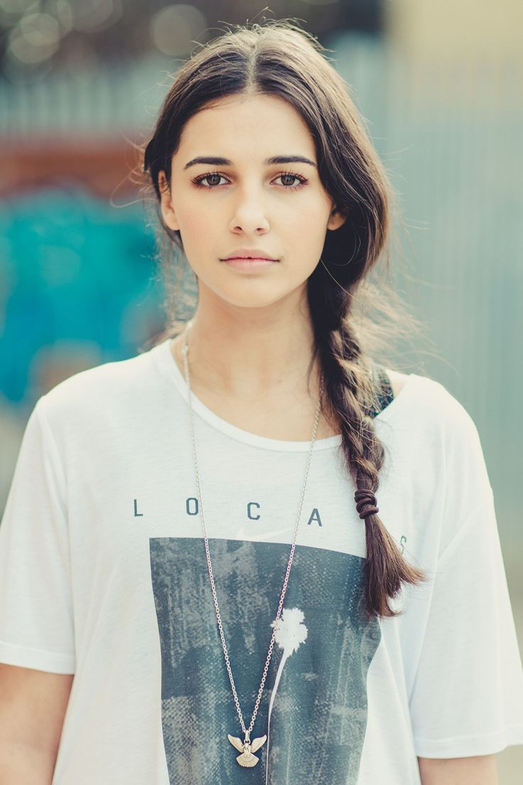 Another picture of Naomi Scott because she deserves it