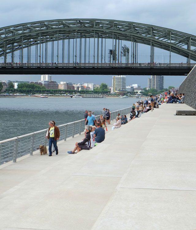 Köln: Fischmarkt am Tanzbrunnen und neuer Rheinboulevard.