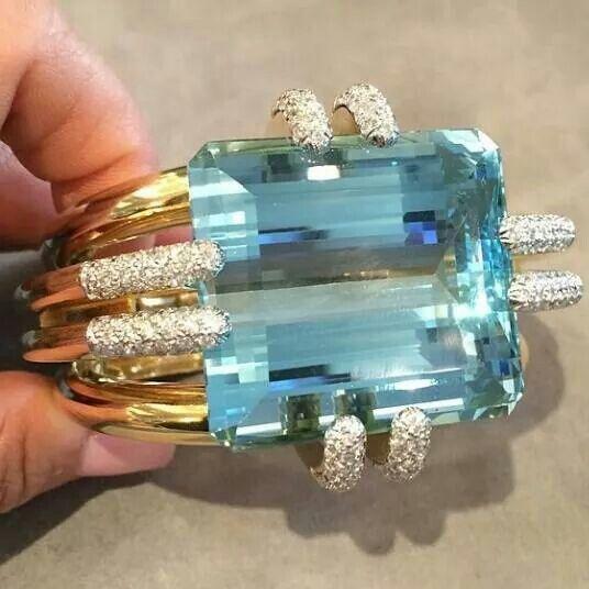 177 carat aquamarine from David Webb ~ Colette Le Mason @}-,-;--- beautiful