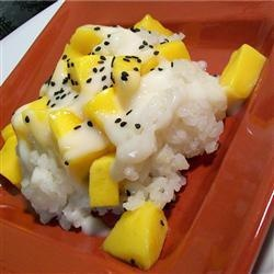 Zoete Thaise kleefrijst met mango (Khao Neeo Mamuang)