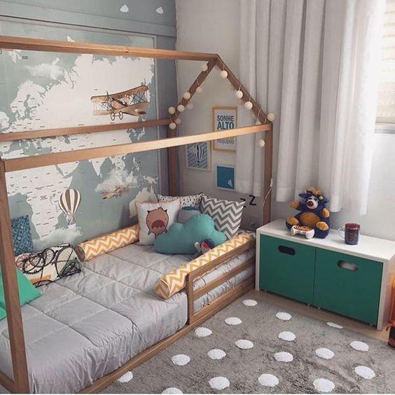 La cama Kura de Ikea es una cama reversible que aprovecha doblemente el espacio en las habitaciones infantiles pequeñas o con problemas de almacenaje.