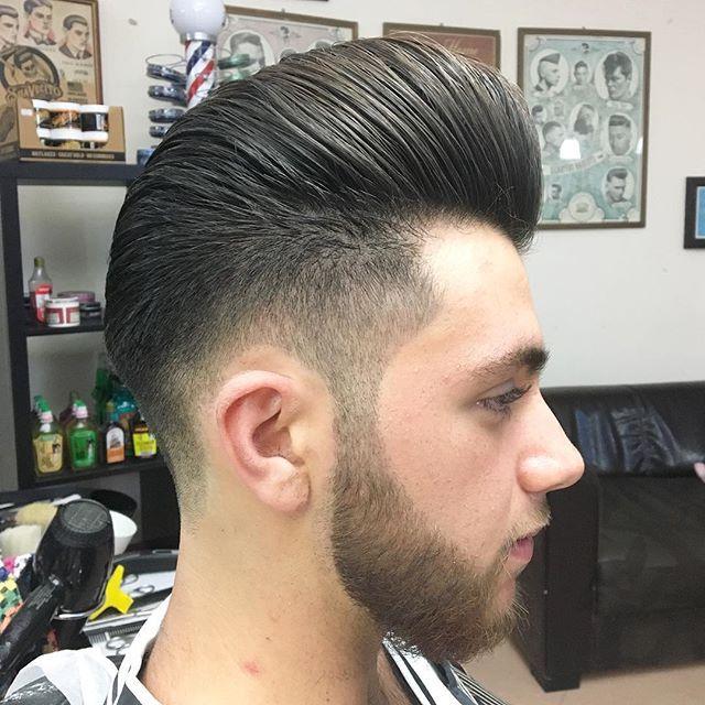 Greased with fiber by @reuzel @schorembarbier  ✂️ #reuzel #reuzelpomade #barbers #schorem #behindthechair #pomade #wax #pompadour #rockabilly #combover #B2B #barber #barbering #barbergang #barberlife #barbershop #barberlove #barbersoul #barbertown #barberstyle #barberconnect #barbershopconnect #suavecito #scumbag #scumbaglife #scumbagboogie #realbarber #internationalbarber #nastybarber #instahair