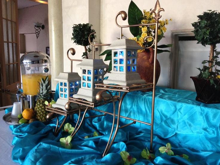 Aqua juice bar table