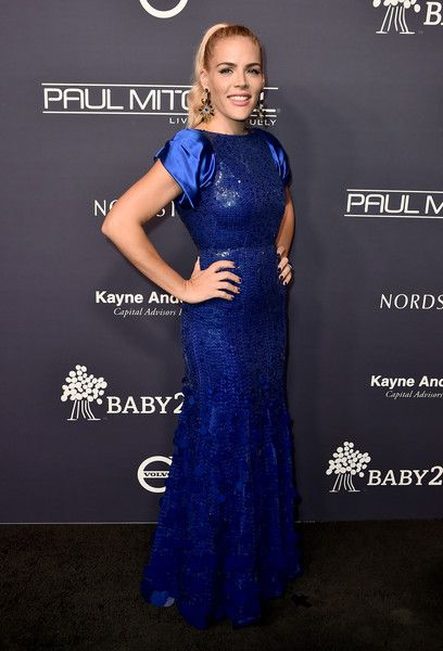 Busy Philipps Photos - Busy Philipps attends the 2017 Baby2Baby Gala at 3LABS on November 11, 2017 in Culver City, California. - 2017 Baby2Baby Gala - Arrivals