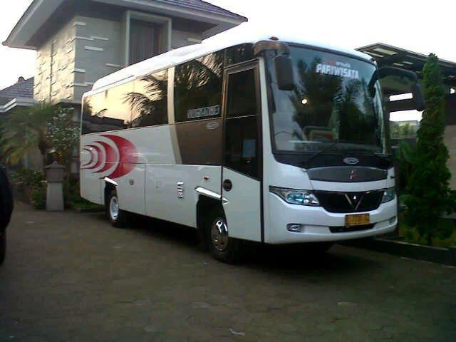 bus wisata ekonomis dan favorit di jakarta: bus wisata evergreen tmii jakarta
