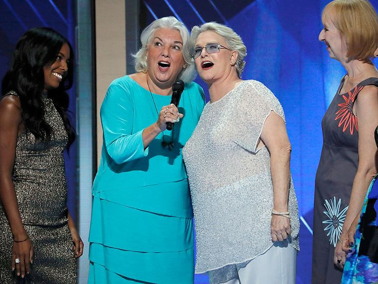 WATCH: Cagney & Lacey Reunite in Feel-Good, All-Star Singalong at the DNC http://www.people.com/article/cagney-lacey-reunite-dnc-sing-a-long