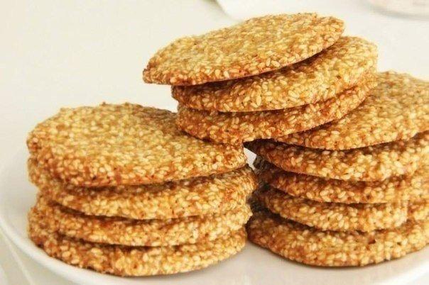 Delicious crispy sesame cookies