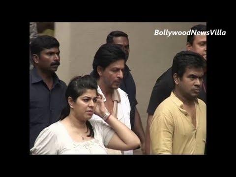 shahrukh khan visits priyanka chopra's house for condolence.