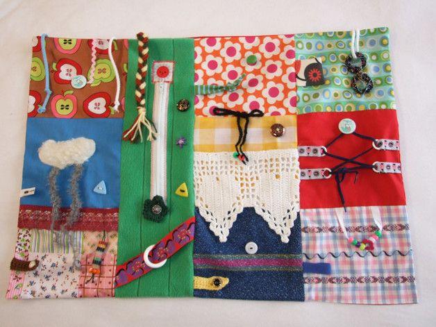 Quilts & Patchwork - Nesteldecke-Fühldecke-Fummeldecke-Motorikdecke - ein Designerstück von der-Lottaladen bei DaWanda