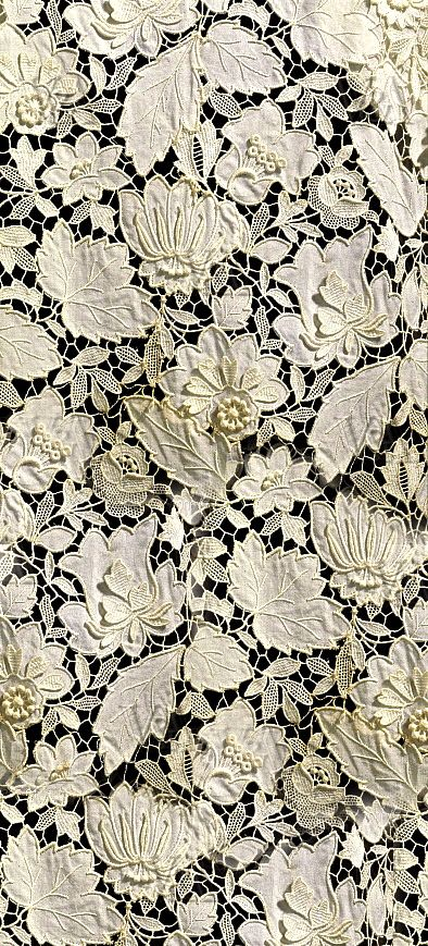Floral Cutwork Lace Pattern
