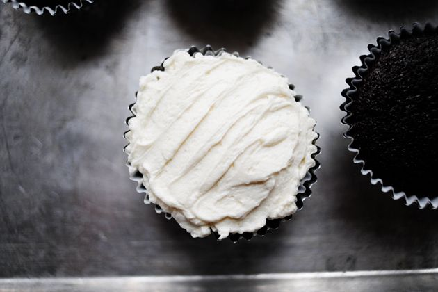 Vanilla frosting that requires no powdered sugar. Has the same texture as whipped cream.