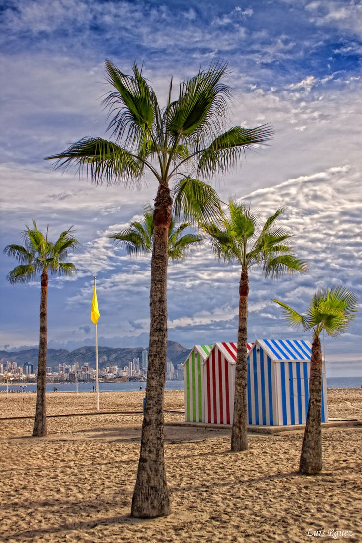 Benidorm Alicante is simply a magnificent & fabulous destination for a holiday! Bathe in the morning after eating tapas with a refreshing drink in the beach until noon, visit to water parks, cool evening shows at the Benidorm Palace is a resort for everyone! :)