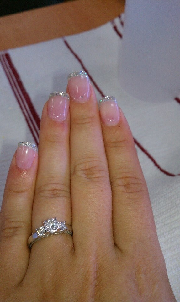 Pretty glitter tip acrylics