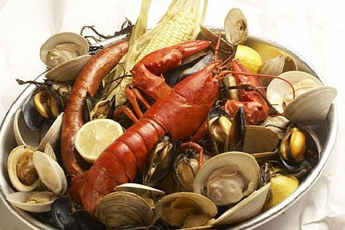 Google Image Result for http://organizesimplifyconnect.com/wp-content/uploads/New-England-Clambake.jpg