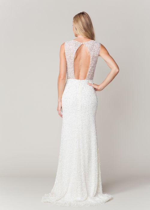 Open back! #sarahseven #open #sparkle #gown #wedding #bridalfashion #chic #glamour #simple