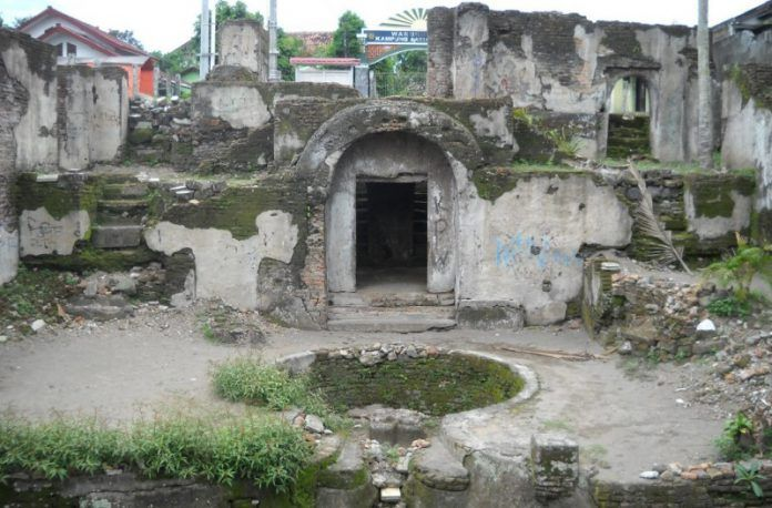 Situs Warungboto atau Pesanggrahan Rejowinangun sebelum direnovasi.
