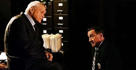 Brian Dennehy as Lt. Hingis with Robert De Niro as Turk in Righteous Kill