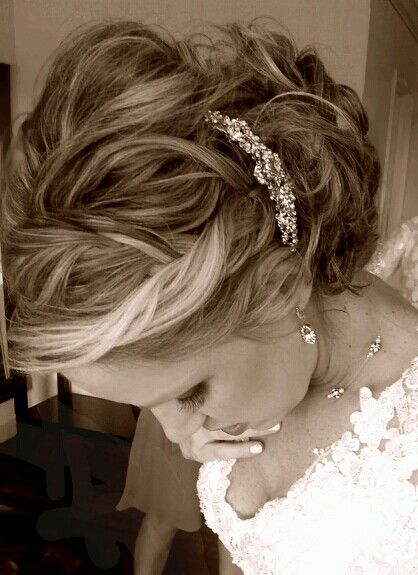 Love this romantic wedding hair! So classy!  Hair By Ella Nolan