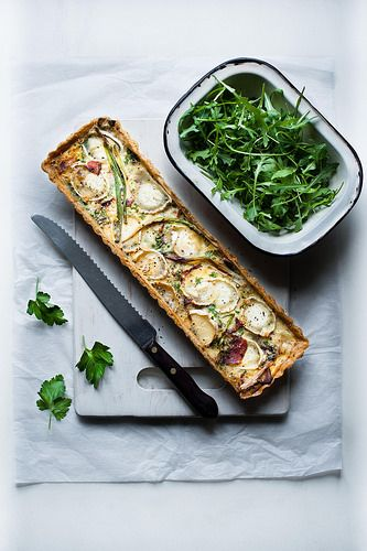 Goats cheese, bacon and caramelized onion tart