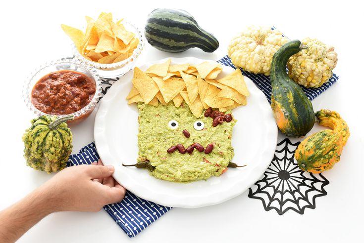 Con la comida se puede jugar. Al menos podemos crear divertidas formas para celebrar fiestas como las de Halloween que siempre resultan divertidas