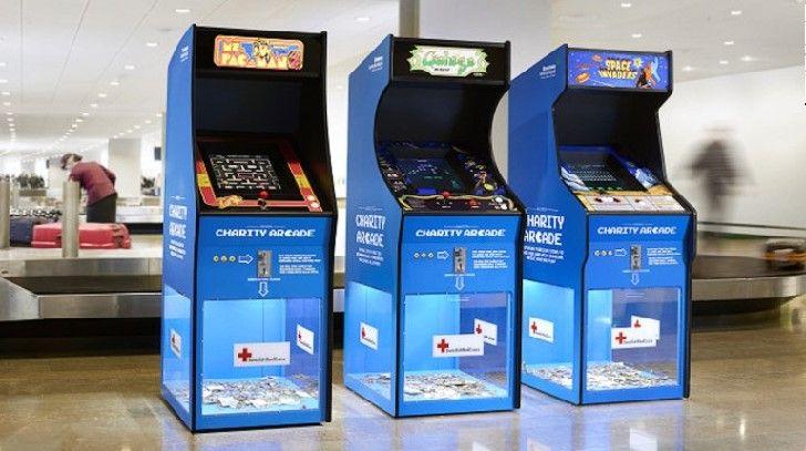 Путешественники и туристы, прибывающие в два крупнейших аэропорта Швеции теперь могут убить время в ожидании багажа, играя в классические видео игры