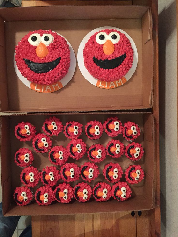 Elmo smash cakes and cupcakes