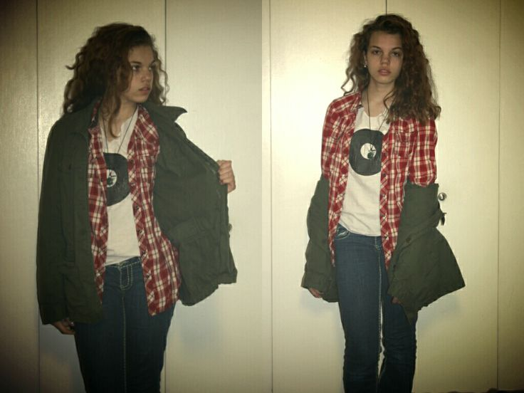 Grunge hipster layers. Record tee, army green jacket with flannel. Layers for winter, teen hipster fashion.