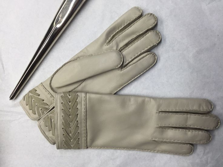 Working on Lady gloves