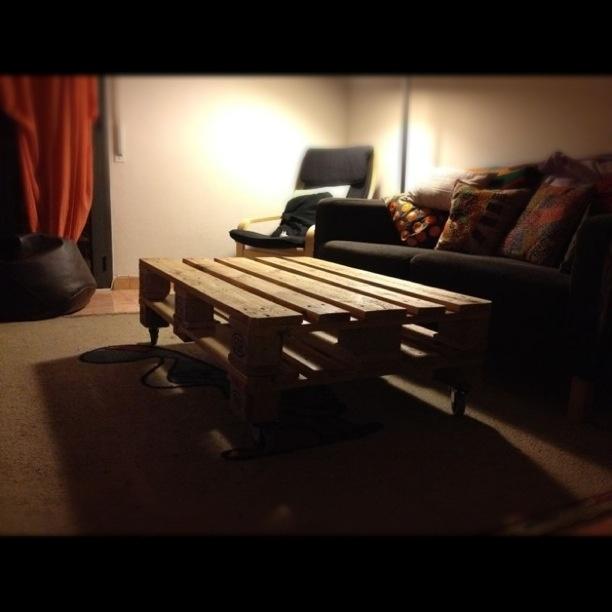 Mesa palet (2 palets) y ruedas con freno