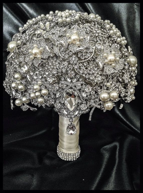 Rich Classic Pearl Brooch Bouquet. Deposit on Crystal Bling Glam Pearl Brooch Bridal Bouquet. Pearl ivory silver Broach Bouquet