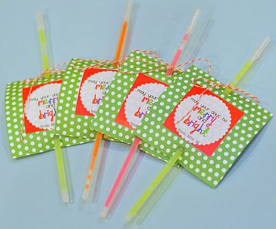 glow sticks for student gift - may your days be merry and bright printable tagsFuture Classroom, Holiday Ideas, Crafts Ideas, Holiday Gift, Gift Ideas, Classroom Ideas, Kids Gift, Techie Teachers, Student Gifts