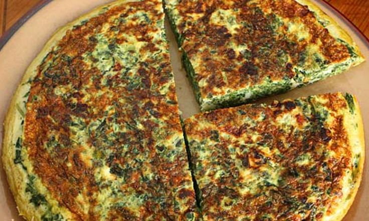 This Light Spinach and Feta Frittata is gluten-free, low-carb, and under 200 calories per serving.